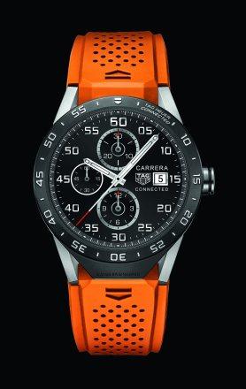 Farbenfroh präsentiert sich die Carrera-Smartwatch mit orangefarbenem Kautschukband.
